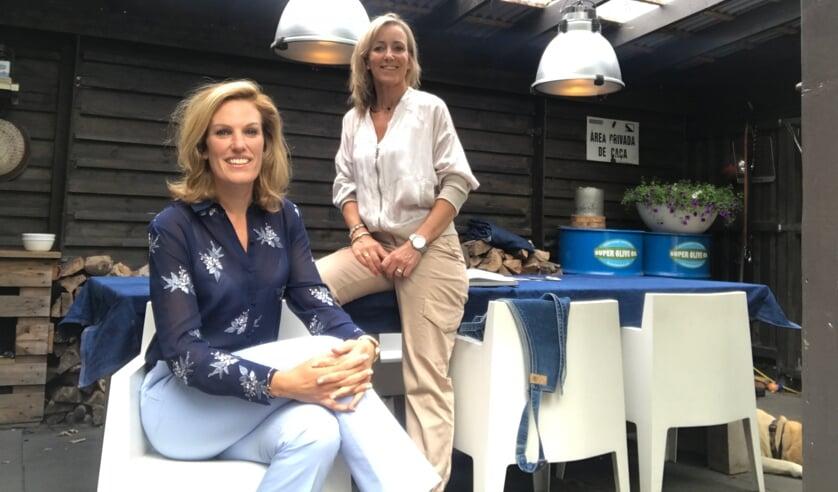 Nathalie Schaafsma en Janneke Versteeg verzorgen een Vrouwenhart College.