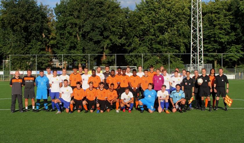 'Het Andere Oranje' te gast bij SVM. [ foto Reyn Schuurman]