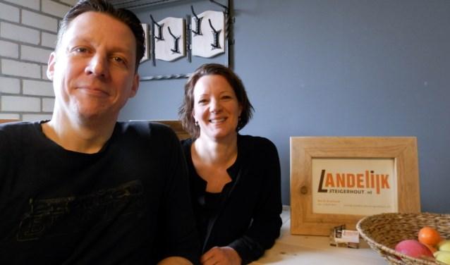 • Mark Gielisse met zijn vrouw Janneke. Foto: Vincent Wibier