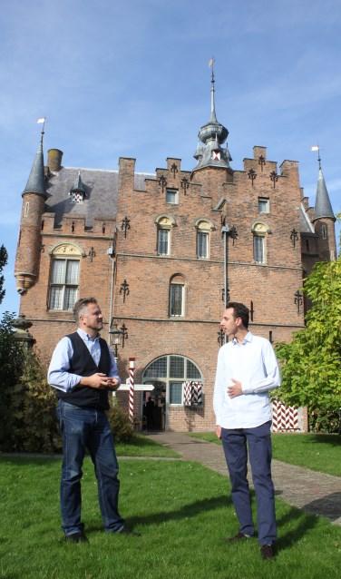 • Robbie Dell'Aira (links) en Roland Gieles bij het Stadskasteel.