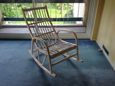 Kussen Voor Rotan Schommelstoel.Bamboe Schommelstoel Met Kussen Marktplein Het Kontakt App