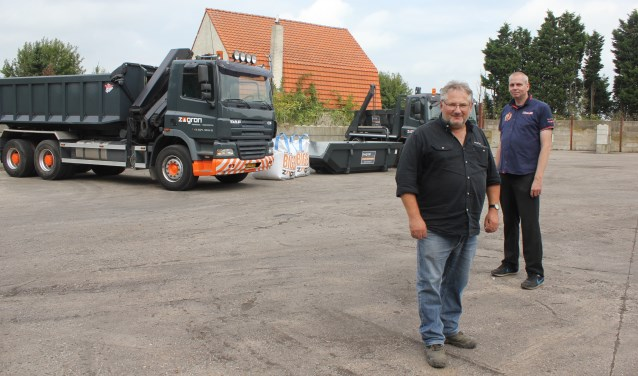 • Ad Hofmans met bedrijfsleider Hennie Verhoeven.
