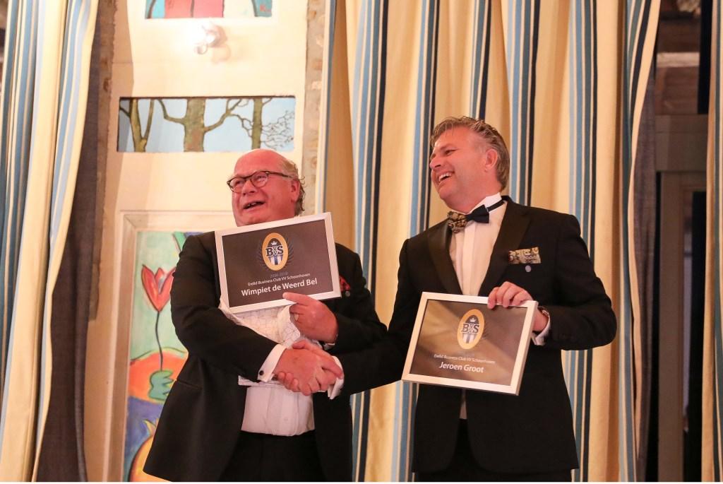 Tijdens het jubileumweekend werden Wimpiet de Weerd Bel (DGA Adinex) en Jeroen Groot (partner Hoek en Blok) benoemd tot erelid. Beiden kregen in Limburg een zilveren ere-speld opgeprikt door BCVVS-voorzitter Roy Monnichmann.  © Krimpenerwaard