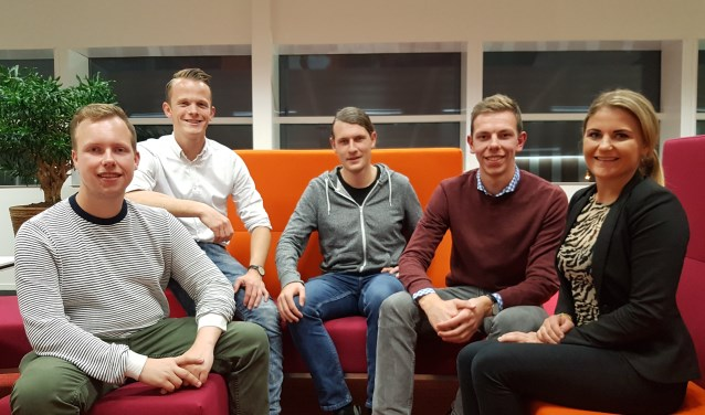 • Vijf van de organisatoren: Jerry van Buuren, Luuk de Gans, Myron Muilenburg, Henri van Bennekom en Miressa van Dijk.