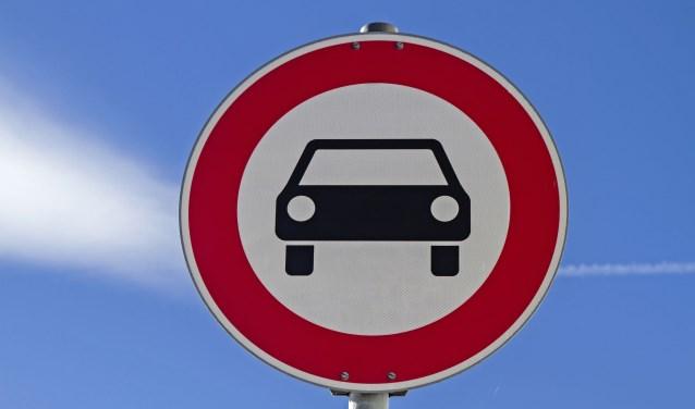 • Alleen een bordje 'verboden voor auto's' helpt niet.