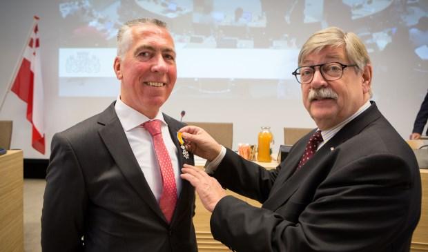 • Gijs van Leeuwen (links) kon het Staten-werk niet meer combineren met zijn wethouderschap.