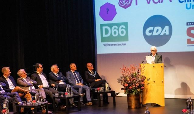 • Siebolt Nieuwenhuis tijdens zijn toespraak.