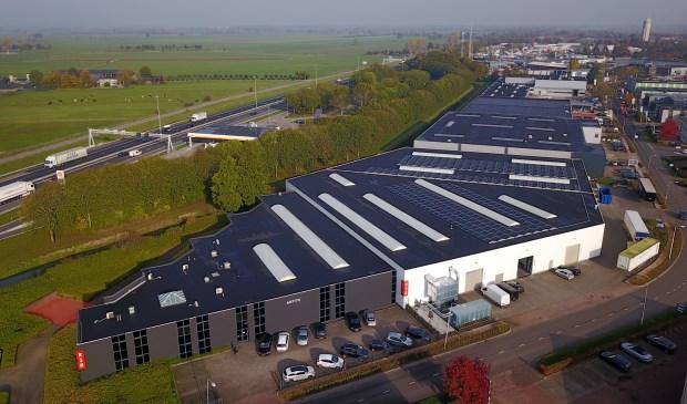 • De zonnepanelen op het dak bij ARTI70. Foto: Arjan Kooyman © Het Kontakt