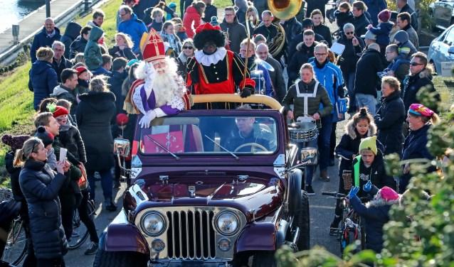 Gezellige en zonnige intocht Sinterklaas Ammerzoden