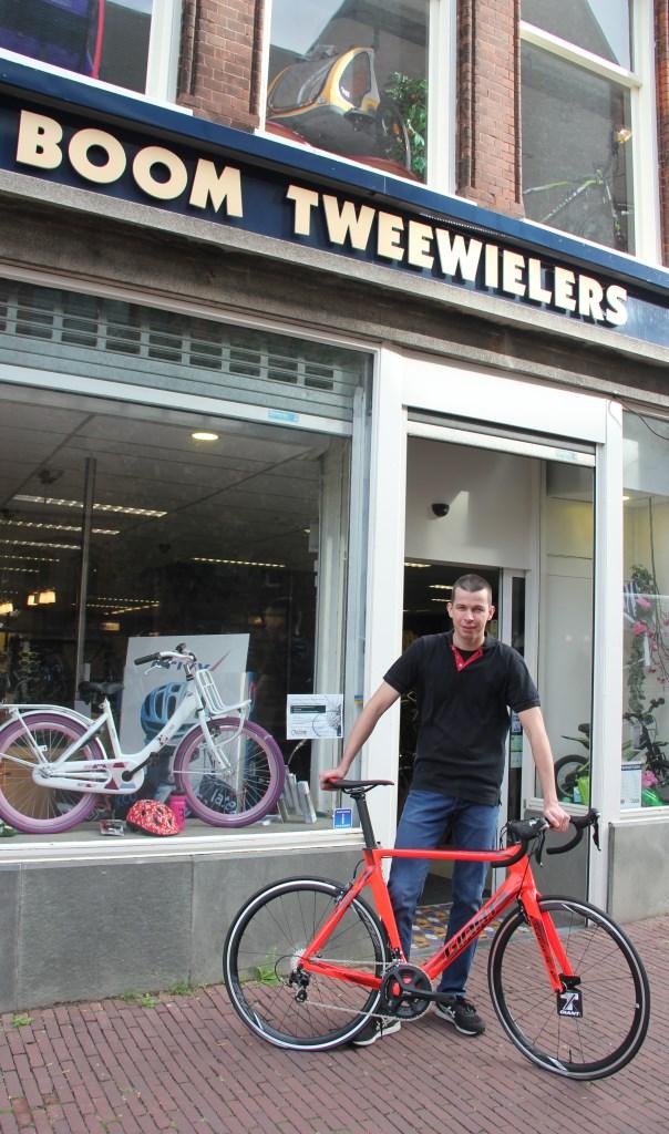 • Filiaalhouder Piet Boom in Schoonhoven. Foto: Adri Verhoeven © Krimpenerwaard