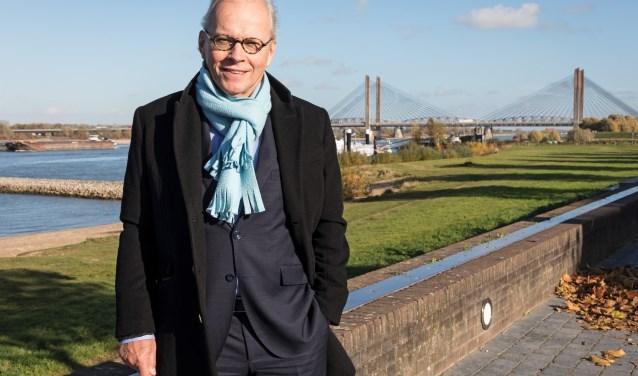 • Thom Ummels verhuist terug naar Lelystad.