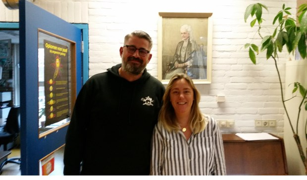 • Bas Verweij (44) en Suzanne Glasbergen (34) van de reüniecommissie.