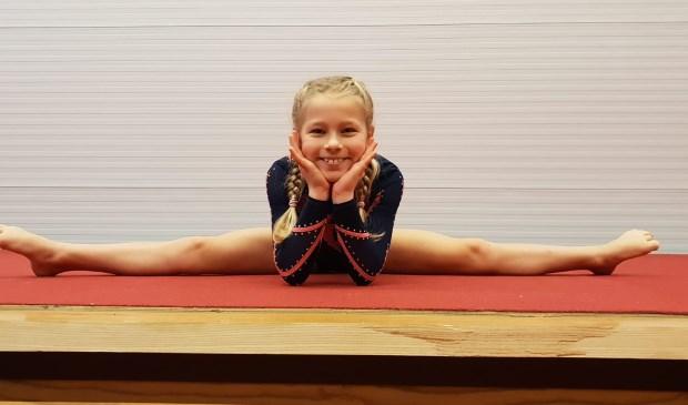 • De pas 8-jarige Suzanne Barzilay won in haar categorie instap N2 de gouden medaille.