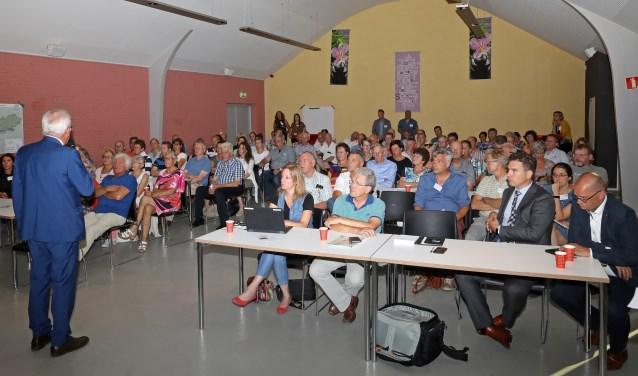 • In De Spil te Bleskensgraaf vond eerder dit jaar een informatieavond over de verspreiding van PFOA in de streek plaats.