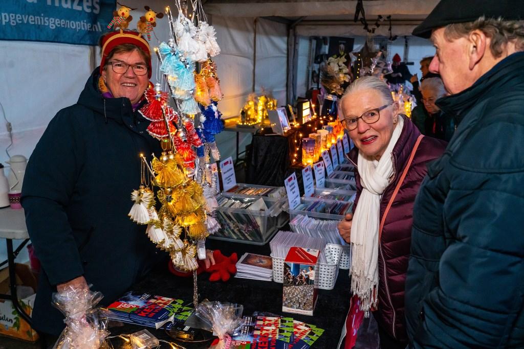 Kerstmarkt op de Maatgraaf in Hagestein Foto: Nico Van Ganzewinkel © Vianen
