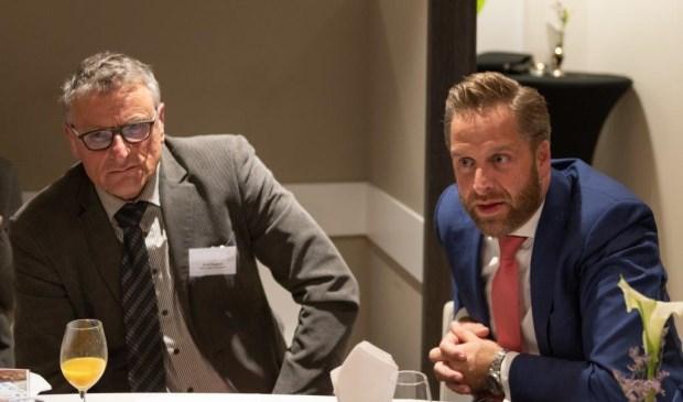 • Arie Keppel tijdens het recente bezoek van minister De Jonge aan de Glasstad.