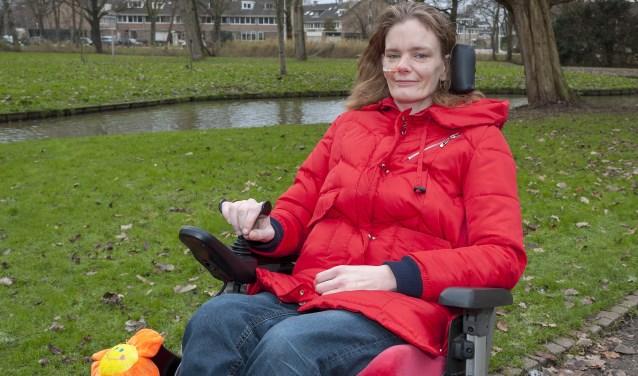 • Corien Delger lijdt aan de erfelijke afwijking 'Ehlers-Danlos'.