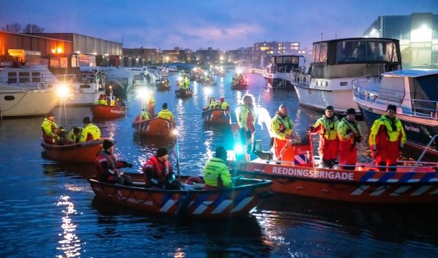 Serious Rescuevloot vaart Vrijstadhaven Vianen binnen