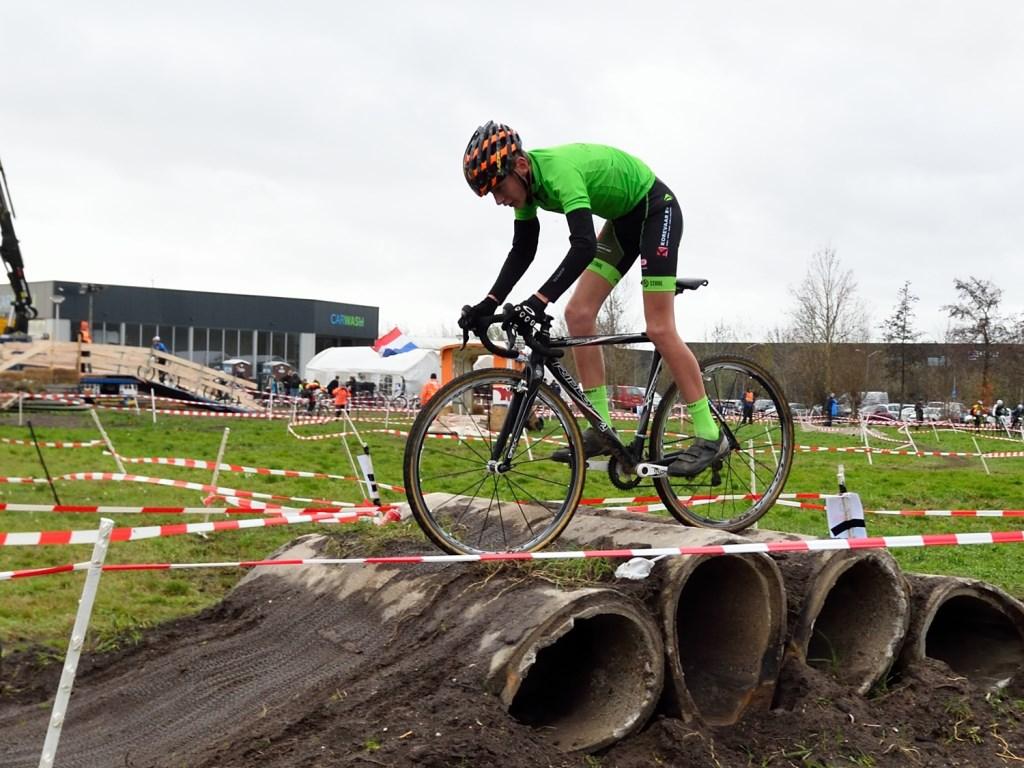 • Nick Klijn op weg naar de overwinning.  Foto: Jan de Bruin  © Leerdam