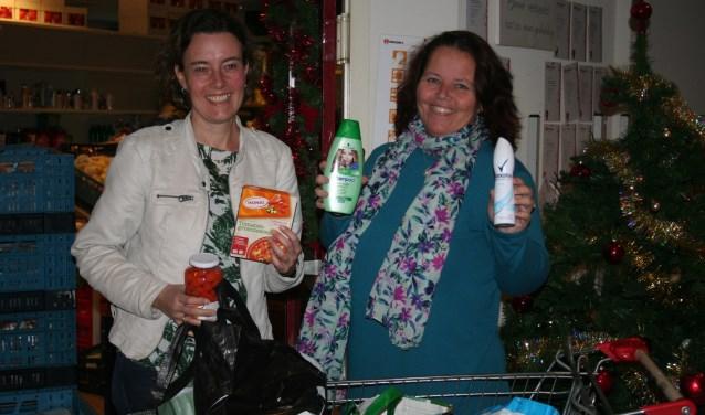 • Saskia de Gier (links) en Martine Visser zijn blij met het stratenproject.