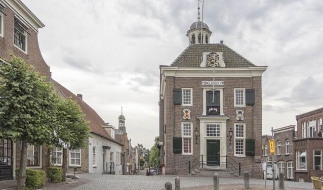 • Het stadhuis in Nieuwpoort.