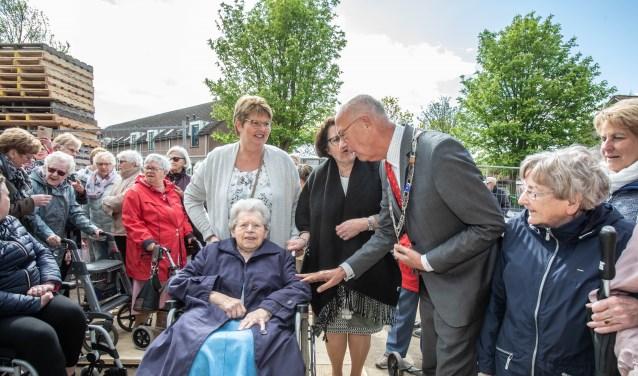 • Burgemeester Staatsen en mevrouw Van Willigen.