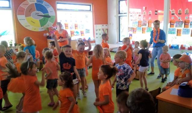 dansen op liedje 'Fitlala'