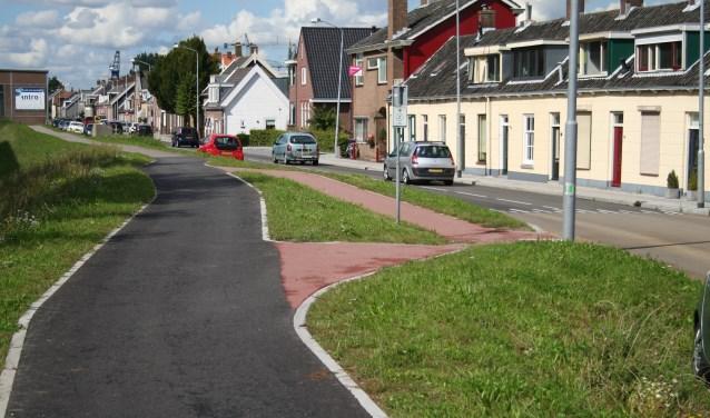 • Op andere delen van de Oost-Kinderdijk ligt het fietspad al.