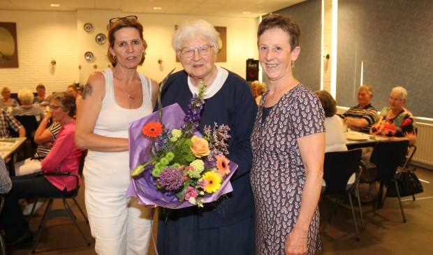 • V.l.n.r. Ria Lisjak-van Meeteren, Marijke Wijkniet en Crhstien den Hartog.