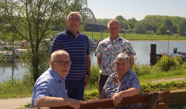 • Het bestuur van SSH, v.l.n.r.: Christ Brok, Jos de Grouw, Sije van Malsen en Lia den Bol.