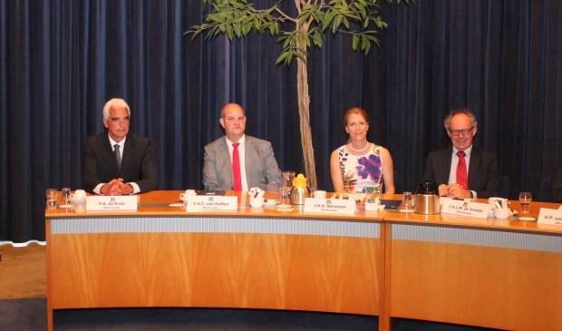 • De vier wethouders van Maasdriel, v.l.n.r. Peter de Vries (CDA), Erik van Hoften (SSM), Anita Sørensen (CDA) en Jan-Hein de Vreede (SSM).