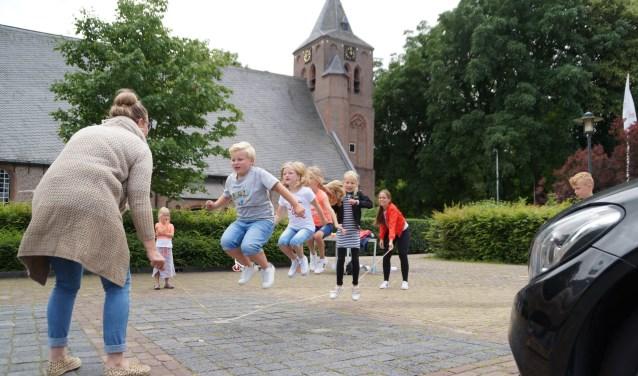 • In Brakel werd de Buitenspeeldag georganiseerd op het Marktplein.