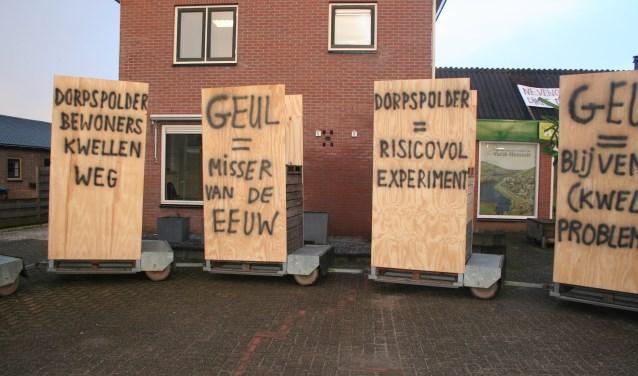 • In februari werd in het dorp geprotesteerd, tijdens een bezoek van minister Cora van Nieuwenhuizen.