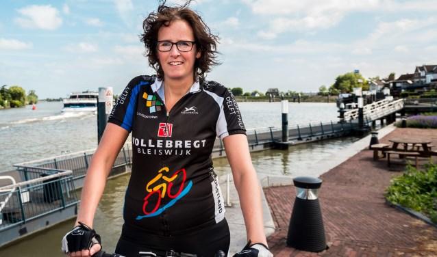 • Marleen van Dieren zit ondanks haar fysieke beperkingen graag op de fiets.