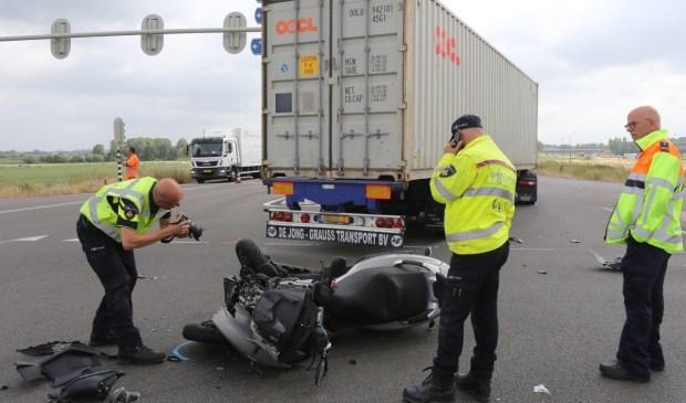 • De bestuurder van de motorscooter is ernstig gewond geraakt.