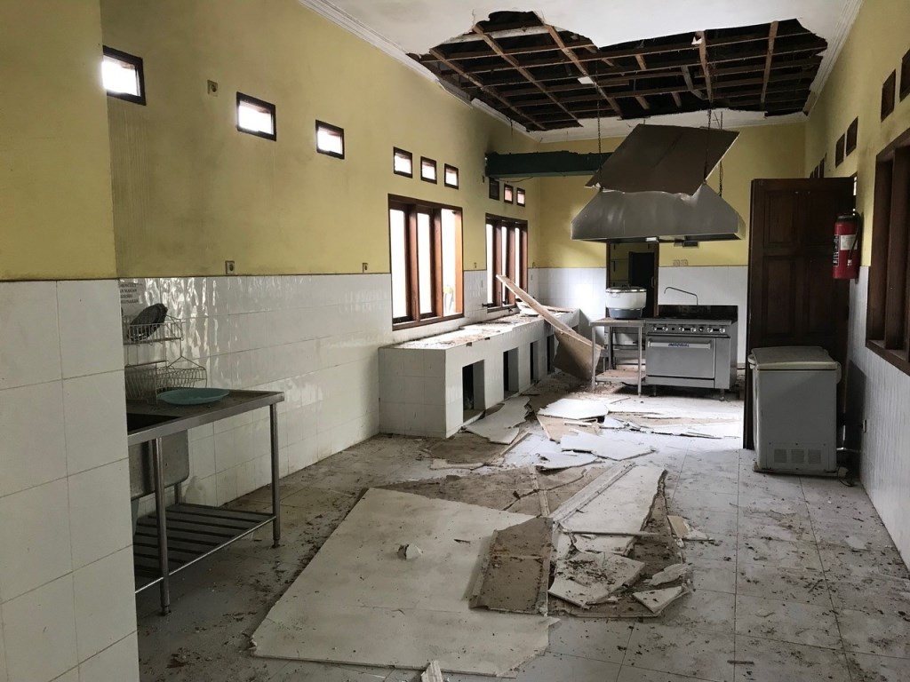 • De keuken is niet meer bruikbaar. Foto: Henk Verschoor © Klaroen