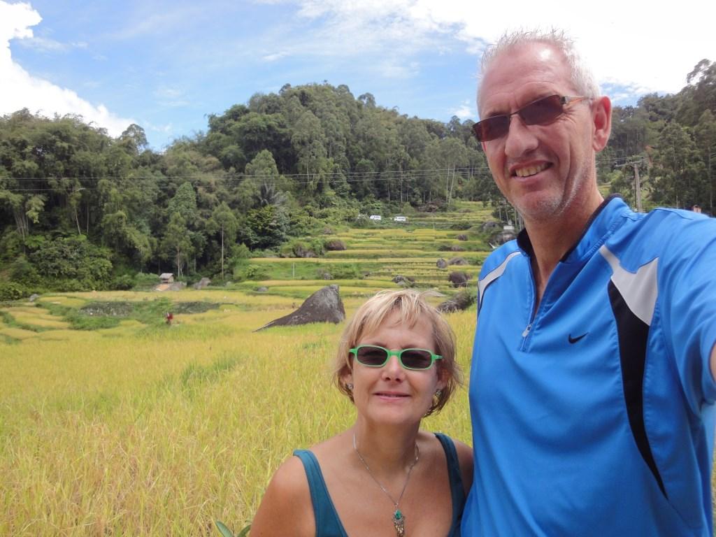 • Henk en Miranda Verschoor op Lombok. Foto: Henk Verschoor © Klaroen