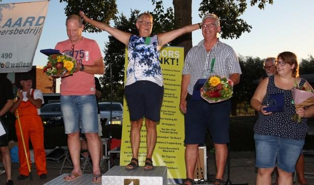 Gerry Bronkhorst uit Noordeloos is de nieuwe Nederlands kampioen kuiltjeknikkeren.