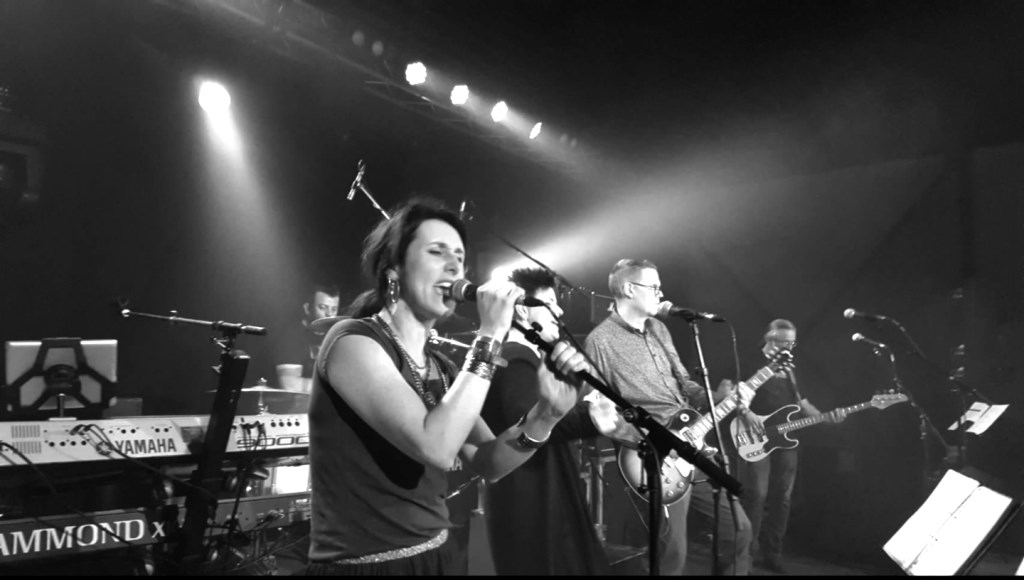 • Popcoverband Vanèges speelt vrijdag vanaf 21:00 uur. De toegang is gratis. Foto: aangeleverd © Bommelerwaard