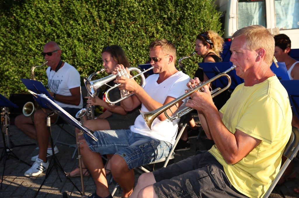Gezellige muziek van de kapel. Foto: Marijke Verhoef / Het Kontakt © Alblasserwaard