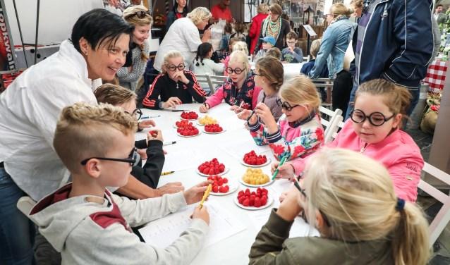 Proeflokaal Junior festival Foto: Lya Cattel © Bommelerwaard