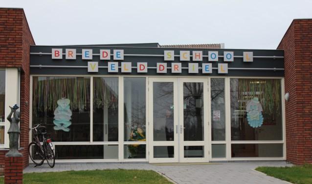 • Op de brede school in Velddriel liggen al zonnepanelen.