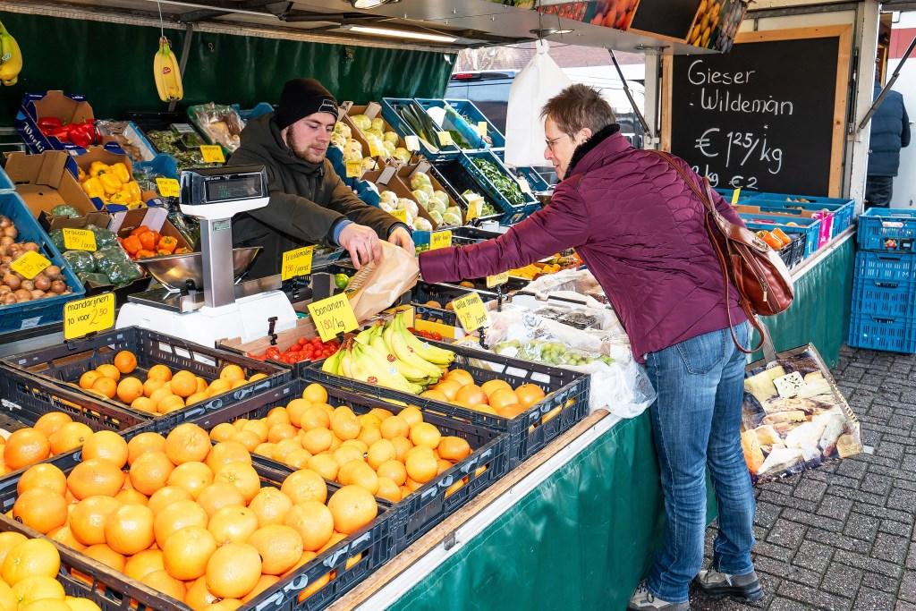 Weekmarkt Hagestein Foto: Nico Van Ganzewinkel © Vianen