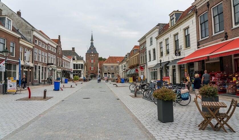 • De gemeente gaat handhaven in de heringerichte Voorstraat.