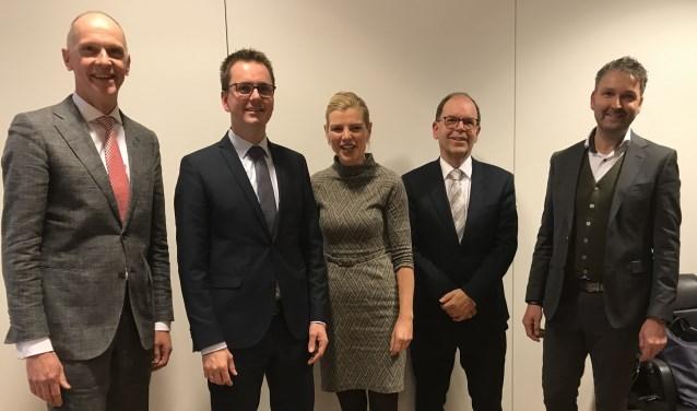 Vorige week werden ze nog gepresenteerd als kandidaat, nu maken Matthijs van Oosten, Paula Jorritsma, Hans Tanis en Roland van Vugt officieel deel uit van het college van B&W.