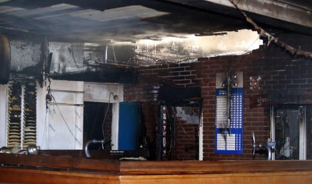 • Het oude clubgebouw in Rossum is niet meer bruikbaar na de brand van juli vorig jaar.