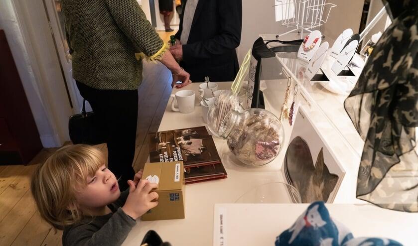 Midas Dekkers opent expositie 'Miauw', Katten in de kunst