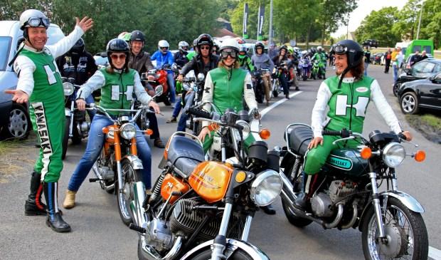 • Nol Bikker (links op de foto) deed ook in 2014 een poging om in het Guinness World Records te komen.
