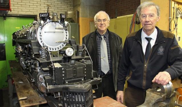 • Teun Both (links) en Sam Limburg bij de Big Boy.