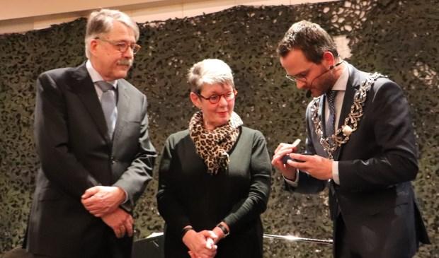 • Hans Capel krijgt de gemeentelijke erepenning in zilver.